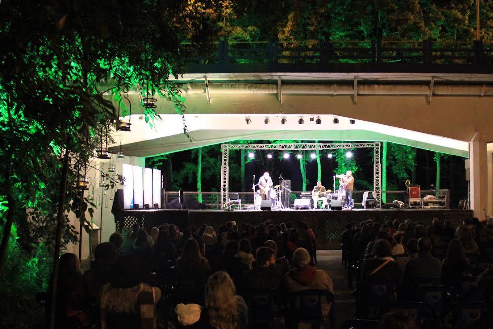 Jazz 6 embaixo da ponte Curt Hering (Foto Tiago Amado)