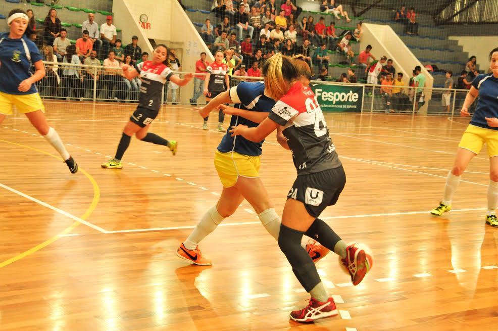 Lages de calção escuro ganha no futsal (Foto: Divulgação)