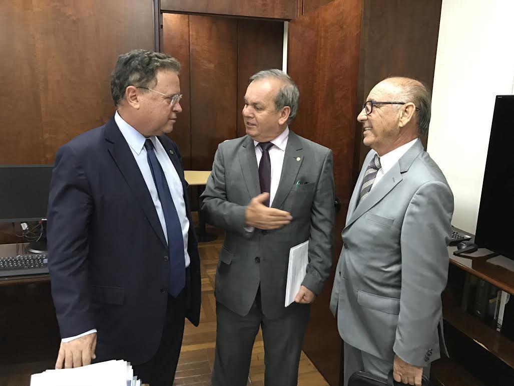 Ministro da Agricultura, Peninha e Gervásio Maciel (Foto: Divulgação)