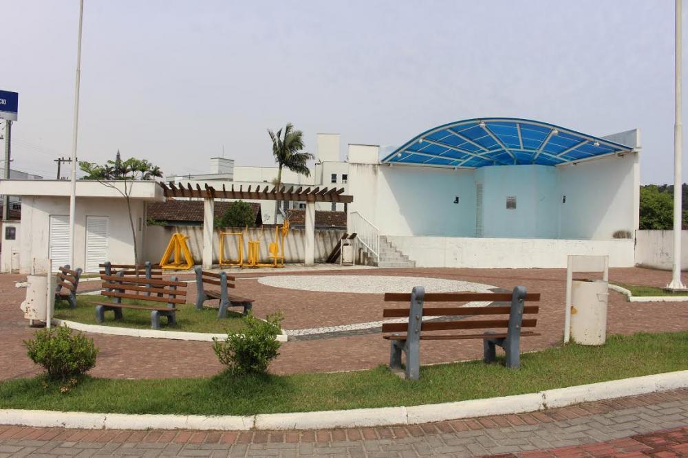 Praça do bairro Gabiroba