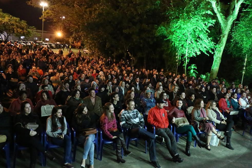 Público bate papo literário com Verissimo (Foto Clóvis Cuco)