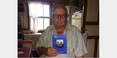 Agricultor de Alfredo Wagner realiza aos 88 anos o sonho de escrever um livro