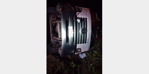 Caminhão tomba na BR-470 e deixa feridos em Pouso Redondo, no Alto Vale do Itajaí