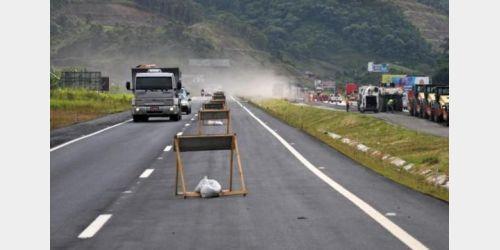 Detonação de rochas entre os Km 42 a 44 da BR 470 em Gaspar acontece nesta terça-feira (20)