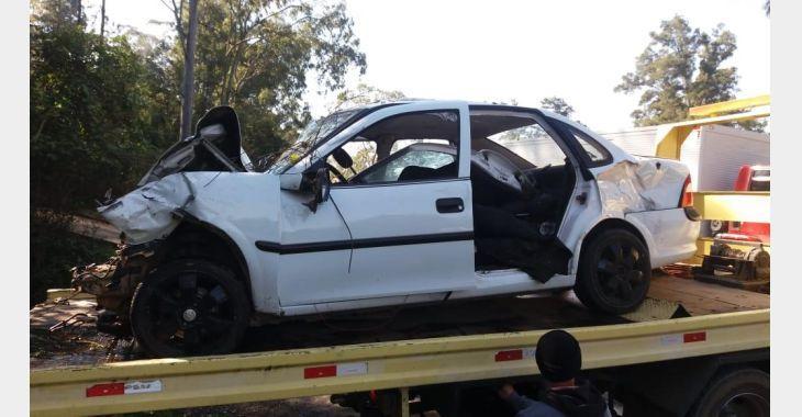 Duas pessoas sofrem lesões graves em acidente, em Rio do Sul