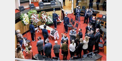Família, autoridades e políticos se despedem de Casildo Maldaner