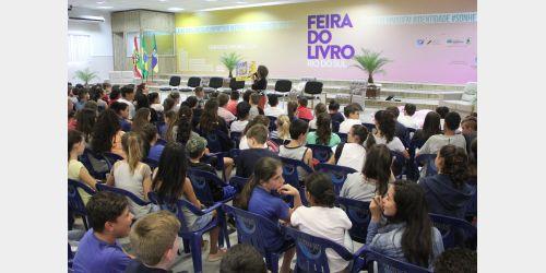 Feira do Livro de Rio do Sul oferece palestras e atividades de formação