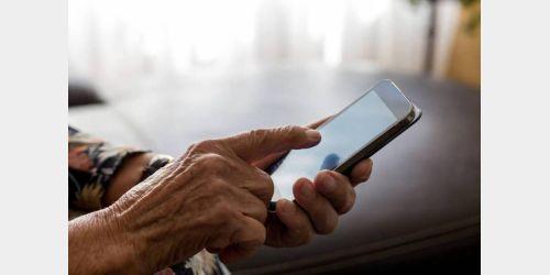 Idosos de Ituporanga são orientados sobre uso de novas tecnologias
