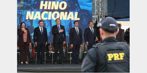 Jair Bolsonaro, Carlos Moisés e ministros participam de aula magna do curso de formação da PRF