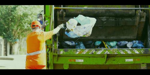 Leoberto Leal realiza recolhimento de lixo no interior nesse sábado (8)