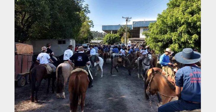 Mais de 650 cavaleiros participam da 2ª Cavalgada dos Amigos da APAE