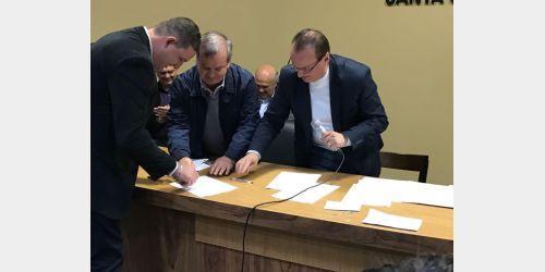 Com recursos de emenda parlamentar prefeitura de Aurora amplia a frota de veículos