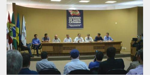Em coletiva de imprensa no Alto Vale Governador Raimundo Colombo garante que rodovias de Atalanta e Petrolândia devem sair do papel