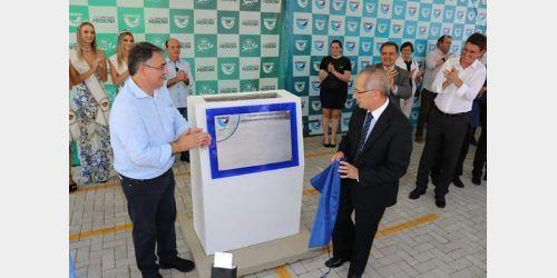 Lançada pedra fundamental para construção do bloco de saúde da Unidavi