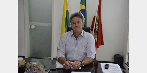 Saúde de ex-prefeito de Aurora inspira cuidados