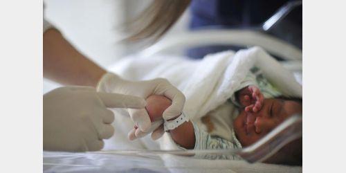 Pediatras pedem fim da obrigatoriedade do Teste da Linguinha