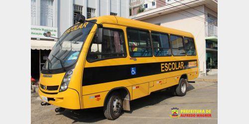 Prefeito de Alfredo Wagner comemora chegada de mais um ônibus para o município