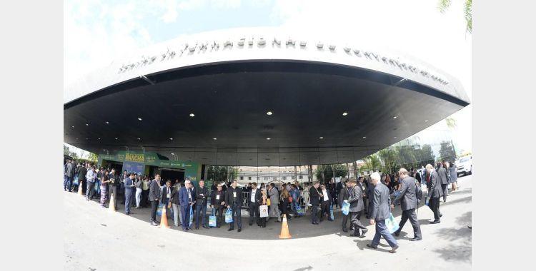 Prefeito de Bom Retiro participa da Marcha dos Prefeitos em Brasília e faz avaliação positiva da viagem
